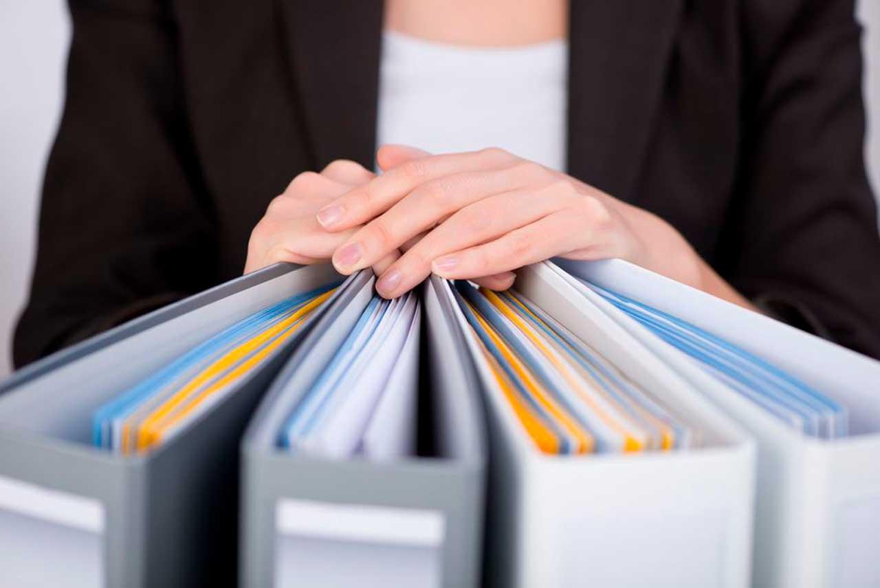 Como a gestão de documentos contribui para a otimização de processos?